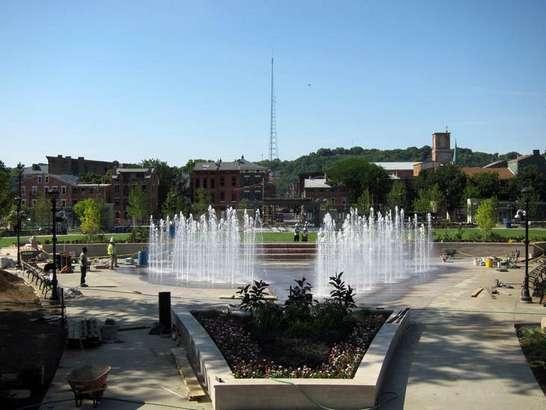 Washington Park Fountain Day Time